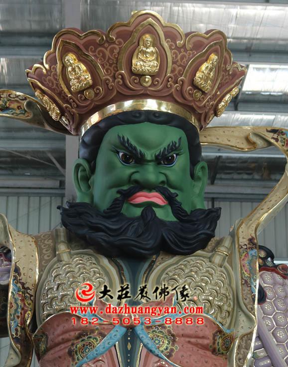铜雕四大天王之南方增长天王彩绘塑像正面近照