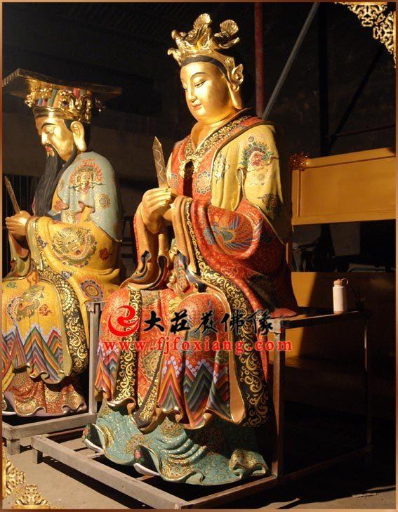圣公圣母彩绘贴金神像