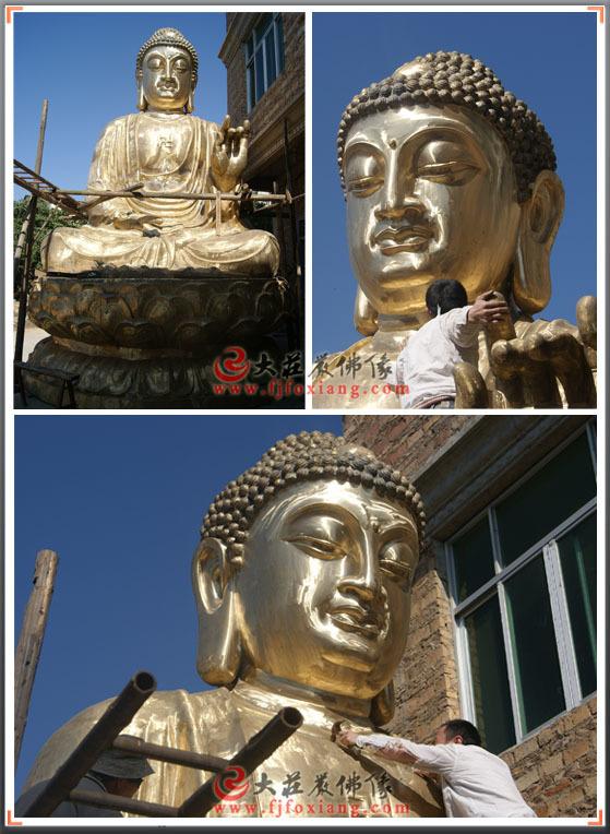 铜佛像制作现场