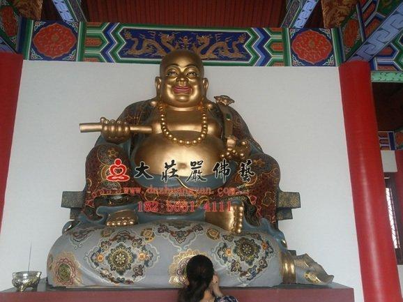 弥勒佛佛像现场实拍图